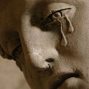 Mary_Magdalene_Crying_Statue-300x300